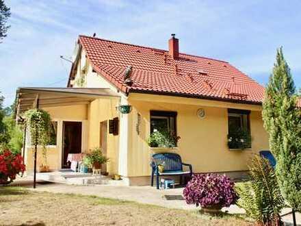 Haus mit weitläufigem Grundstück in Wald- und Seenähe!