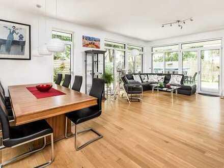 Aufgepasst! Moderne Maisonettewohnung mit 200 m² Garten, Terrasse & Sauna im grünen Lichterfelde