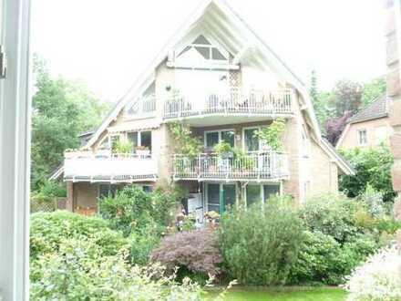 Sonnige, gepflegte 3-Zimmer-Wohnung mit Balkon und EBK in Eißendorf, Hamburg