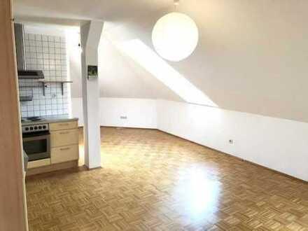 Stilvolle 1-Zimmer-DG-Wohnung mit Balkon in Büsingen am Hochrhein