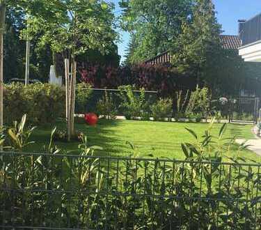 * schöne 4 Zimmer EG Wohnung ( EG/ UG) mit Garten*FBhzg*El. Rollos*TG Einzellstelplatz*