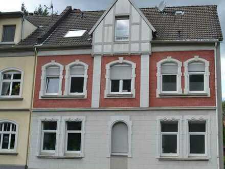 Charmante und gemütliche DG Wohnung mit Balkon und ausgebauten Spitzboden in Bottrop-Boy