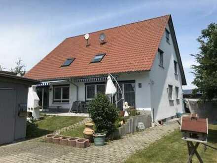 *** Wunderschöne Doppelhaushälfte mit Stellplatz am Ortsrand ***