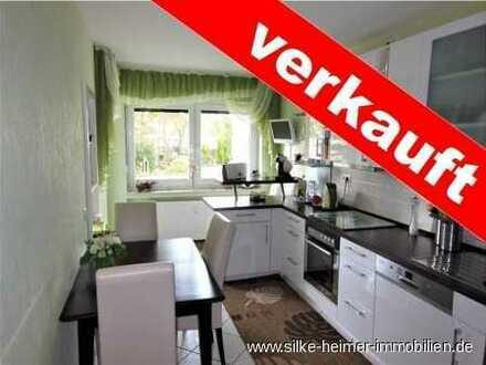 !! Top modernisierte 3 Zimmer Eigentumswohnung im Hochparterre in grüner Lage von Schönebeck!!