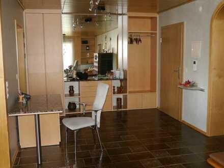 Attraktive 2-Raum-Wohnung mit EBK und Balkon in Remchingen
