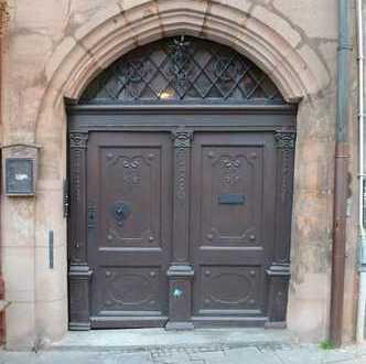 Denkmalgeschütztes Wohn- und Gewerbehaus im Herzen der Lorenzer Altstadt