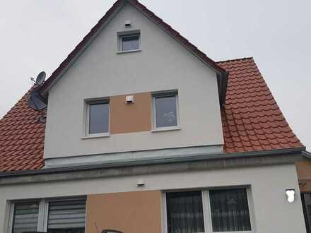 Schöne helle 2020 sanierte 3,5 Zimmer Maisonette 2 Ebene Wohnung mit Einbauküche+Keller ab Juni frei