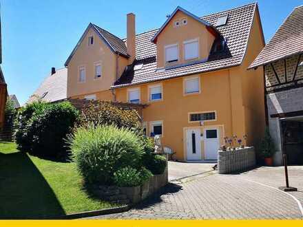 Großzügiges Einfamilienhaus mit Einliegerwohnung in bevorzugter Wohnlage!