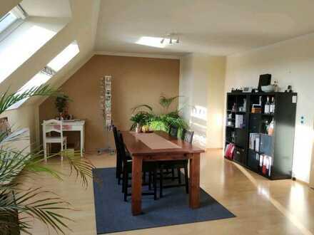 Gepflegte Maisonette-Wohnung mit vier Zimmern sowie Balkon und EBK in Rhede