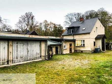 Einfamilienhaus mit Nebengelass und Scheune - sanierungsbedürftig!