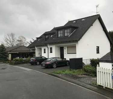 Schönes, geräumiges Haus mit vier Zimmern in Rheinisch-Bergischer Kreis, Burscheid