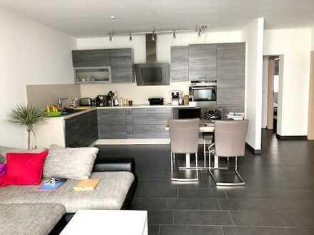 Fairmieten - Top Wohnlage: Hochwertige Stadtwohnung mit Balkon in kleiner Wohneinheit