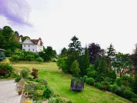 Architektenhaus auf schönem Grundstück in allerbester Lage von Alsbach (we speak English)