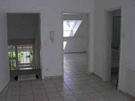2-Zimmer-Dachgeschoss-Wohnung in Langen, ruhige Lage