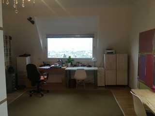 Großzügige 4,5-Zimmer-Altbau mit viel Stauraum, großem Balkon und herrlicher Aussicht.