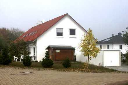 TOP Immobilie: DHH Baujahr 2005 in sehr schöner Lage in Kirchheim