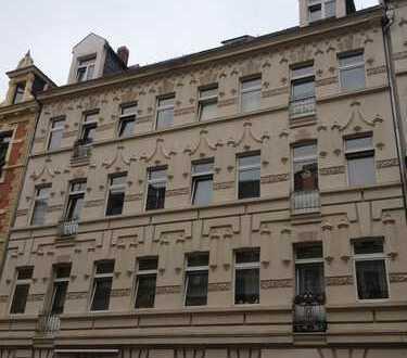 ***3 Zi.-DG-Wohnung mit Einbauküche in beliebter Südvorstadt***