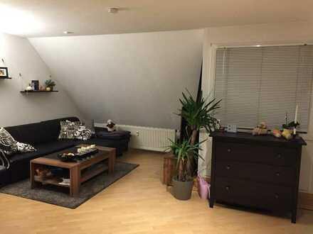 Schöne drei Zimmer Maisonette-Wohnung in Herrenberg-Oberjesingen