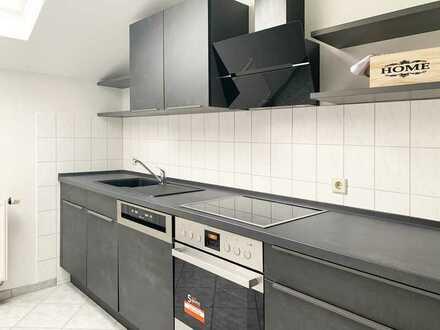 *Video* 3-Zimmer Dachgeschoss Wohnung mit neuer Einbauküche