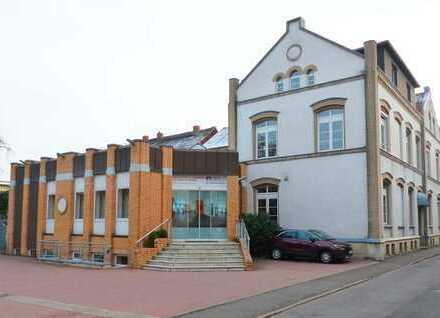 Großzügiges Büro- und Geschäftshaus in zentraler Lage von Schönebeck