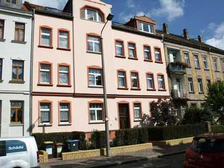 Schöne, helle 2-Zimmer- DACHGESCHOSSWOHNUNG in Leipzig-Wahren zu vermieten.