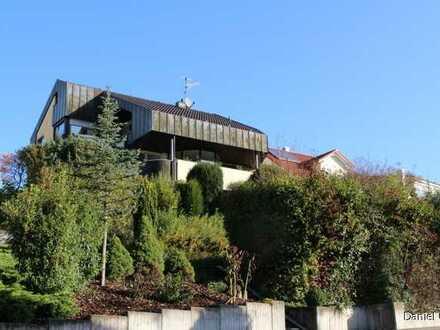 Großzügiges Einfamilienhaus mit Einliegerwohnung in exponierter Aussichtslage!