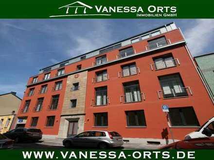 Nähe Innenhafen: Exklusive & moderne Wohnung mit drei Räumen, Balkon und Aufzug im Haus