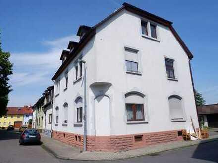 Toll geschnittene 2 Zimmerwohnung mit hohen Decken und viel Ausbaupotenzial in Plankstadt