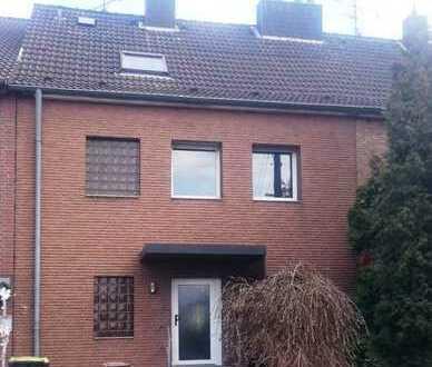 Großes Ein-Zweifamilienhaus in Köln-Rheinkassel ab sofort zu vermieten