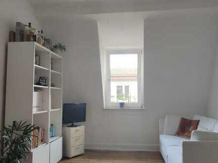 Sanierte Altbau zwei Zimmer Wohnung (DG) 49m² in Karlsruhe Oststadt