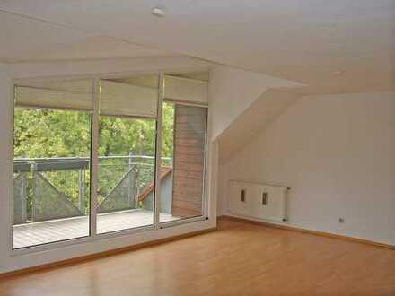 POCHERT HAUSVERWALTUNG - Sehr schöne Wohnung im 3.OG und DG (Maisonette) mit Balkon