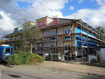 Neubau-Erstbezug: Großzügige 4-Zimmer-Wohnung mit Dachterrasse u. Pkw-Stellplatz in Lev.-Schlebusch!