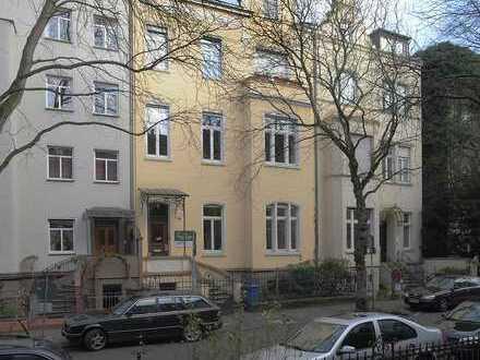 Großzügige Wohnung in einem Gründerzeithaus in der Bonner Südstadt