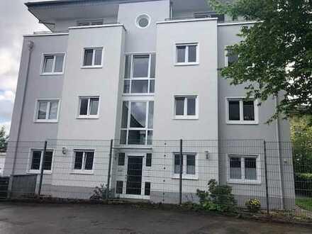 Gepflegte Erdgeschosswohnung mit drei Zimmern sowie Terasse in Wermelskirchen