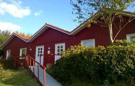 Freistehendes Mehrfamilienhaus + Garagen aufgeteilt in 2x Ferienwohnungen + großem Grundstück