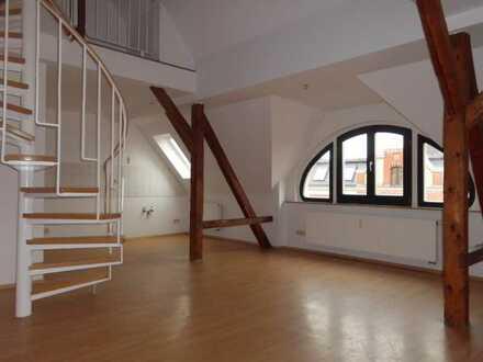 **tolle 4- Raum Maisonette Wohnung am Zentrum**