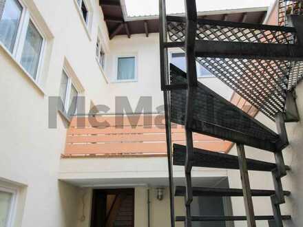 Kapitalanlage oder neues Zuhause: 4-Zi.-DG-Wohnung mit CP-Stellplatz und Gestaltungspotenzial