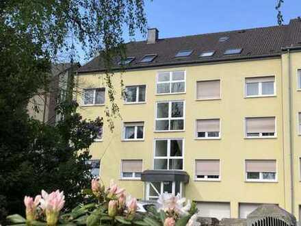 Wunderschöne, helle Wohnung mit Dachterrasse und Blick ins Grüne. Ideal auch als Einsteigerimmobilie