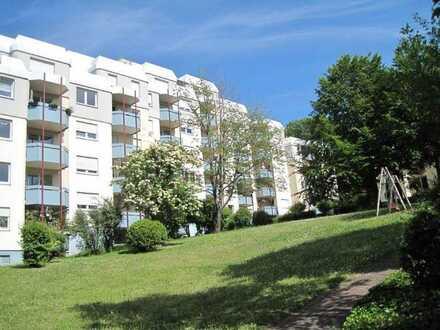 Gepflegte 4-Zimmer-Wohnung auf parkähnlichen Grundstück in Durlach
