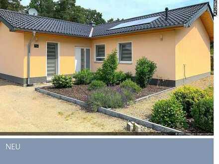 neuwertiges Architektenhaus als Winkel-Bungalow nahe Strausberg