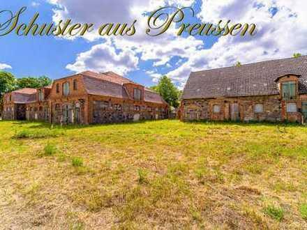 Schuster aus Preussen - nur 30 km von der Berliner Stadtgrenze - historische Gebäude mit vorliege...