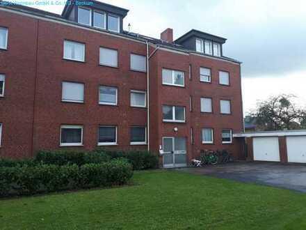 Wohnung in der 1. Etage mit 3 Zimmern, Bad mit Fenster und Balkon!
