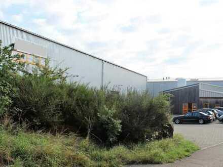 Große Produktionshalle mit Büro und Sozialräumen im Gewerbepark Sembach zu vermieten