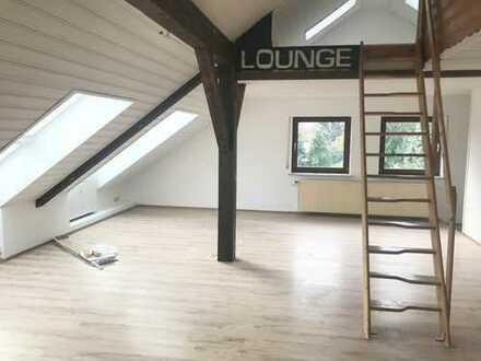 ***Kapitalanlage*** Atelier-DG-Wohnung (offen bis Dachspitz) in kl. MFH in Oftersheim!!!