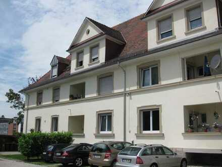 Renovierte Altbauwohnung 5 ZKB in Nähe zur Stadtmitte