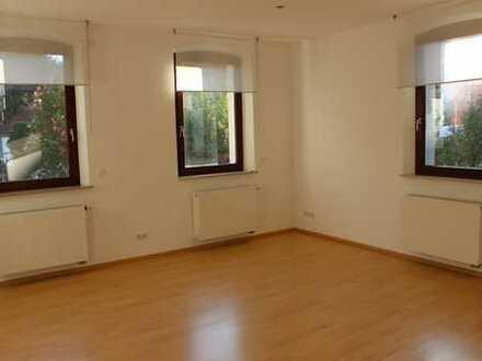 Helle, geräumige 2-Zi-Wohnung in der Bayreuther Str. / unterhalb Berggelände