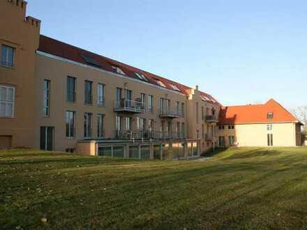 ERSTBEZUG mit Blick auf den Schwielowsee im Schloss Petzow