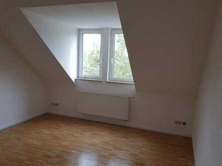 Erstbezug nach Sanierung: schöne 4-Zimmer-Dachgeschosswohnung in Offenburg