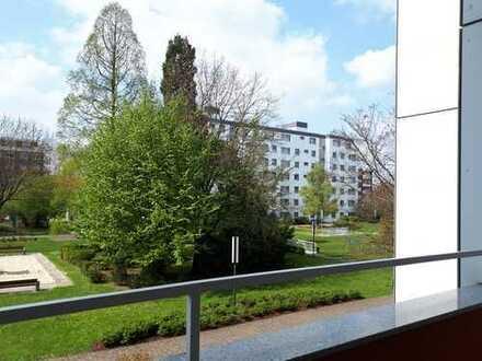 Neuwertige 3,5-Zimmer-Wohnung mit Balkon und EBK in Bochum
