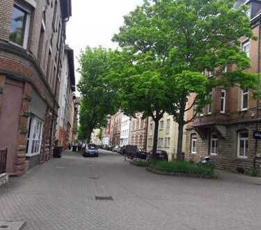 Sonnige, vollmobilierte 2er W.G. ?? 3Zimmer Wohnung NUR für Katzelieber in Bad Cannstatt.